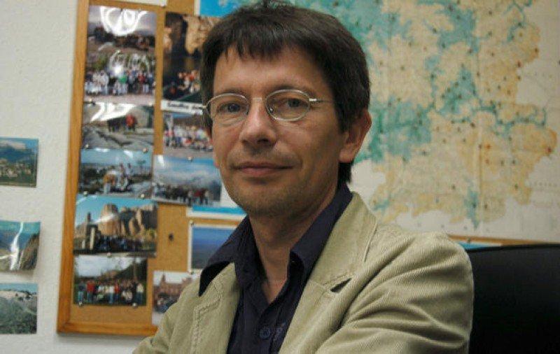Xosé Santos expondrá sobre 'Emprendimientos de negocios turísticos en Montevideo'.