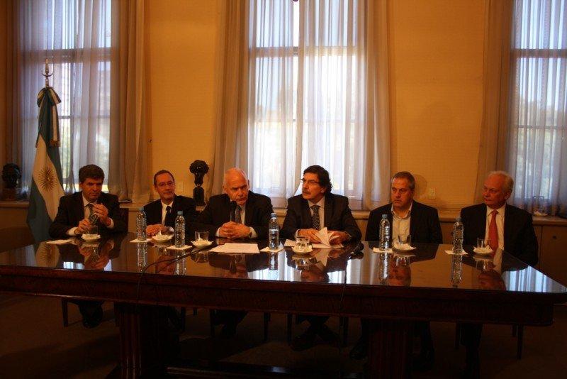 Firma del acuerdo entre Turismo, Educación y la Universidad de Córdoba.