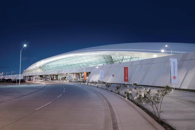 La concesión del Aeropuerto de Carrasco se extenderá por 10 años más, hasta 2033.