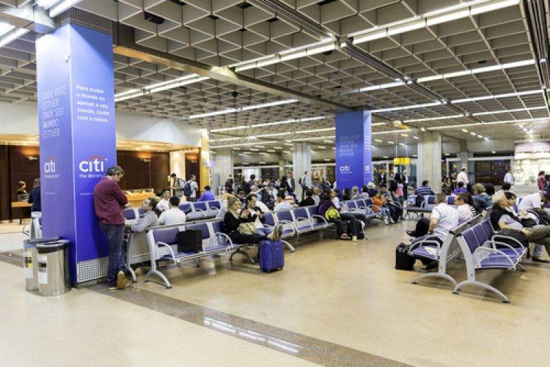 Los aeropuertos de Brasil registraron intenso movimiento: más de 17,8 millones de pasajeros en un mes y medio. #shu#