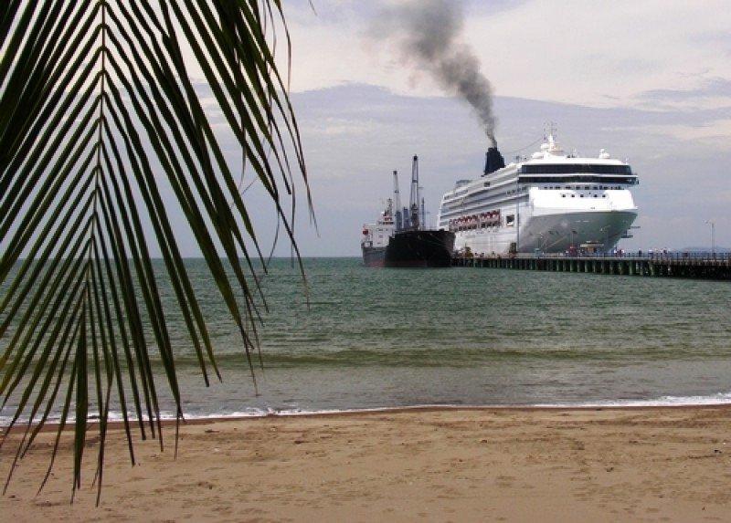 Crucero en el muelle de Puntarenas. #shu#