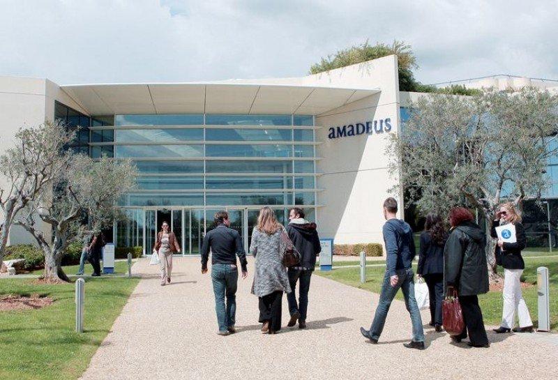 Amadeus se alía con el mayor sistema de tarjetas del mundo