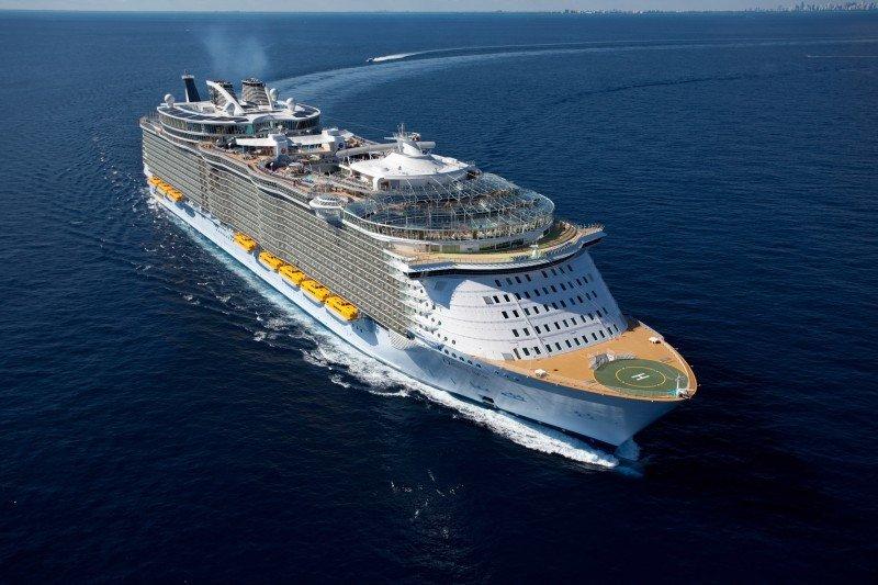 Fotonoticia: el barco más grande del mundo pone rumbo a España