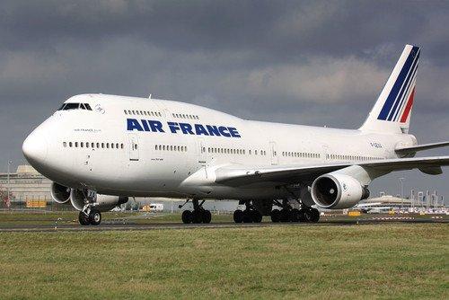 Air France critia que los sindicatos no han realizado ninguna propuesta en las negociaciones que mantienen desde hace días. #shu#
