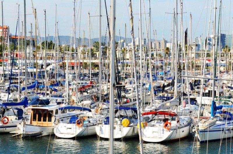 Embarcaciones de recreo en el puerto de Barcelona. #shu#