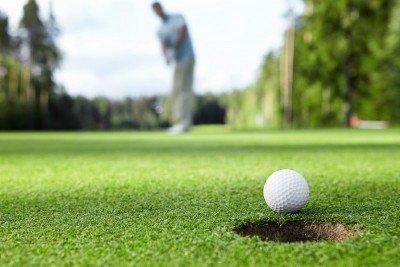 Cuba creará nueva empresa mixta inmobiliaria con campos de golf para turismo