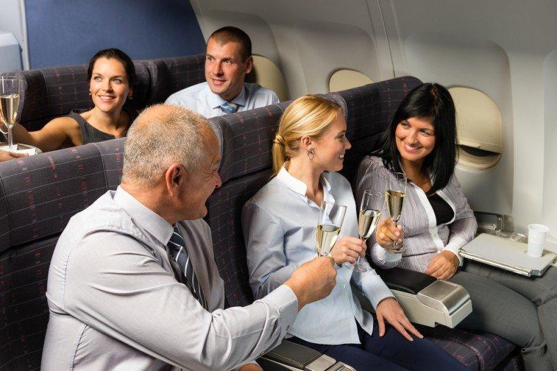 Los pasajeros serán acomodados al lado de sus compañeros de trabajo o contactos. #shu#