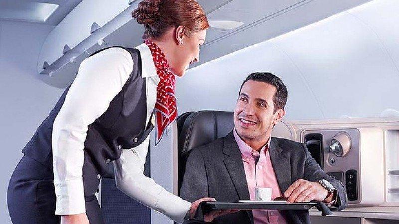Staff de American Airlines incorporará novedades al servicio.