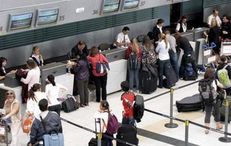 Argentina pedirá más datos sobre pasajeros aéreos que salgan o ingresen al país.