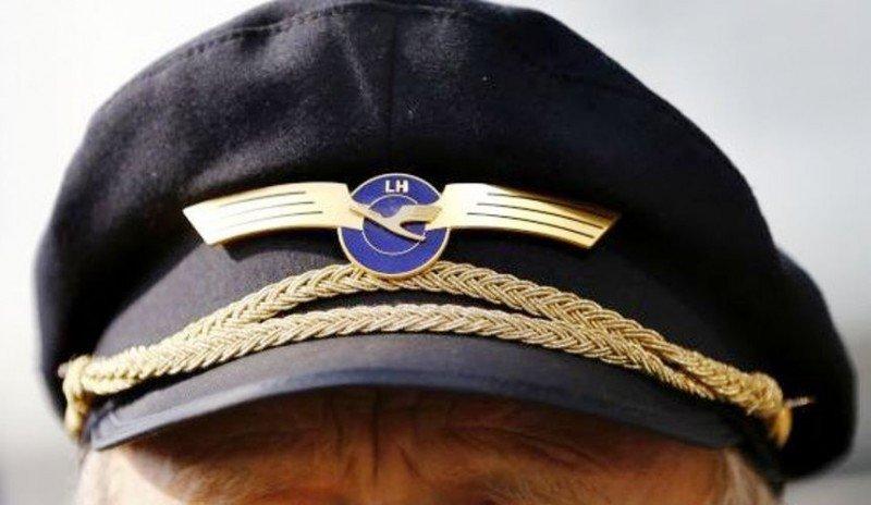 Un piloto gana un juicio a Lufthansa y no tendrá que llevar gorra