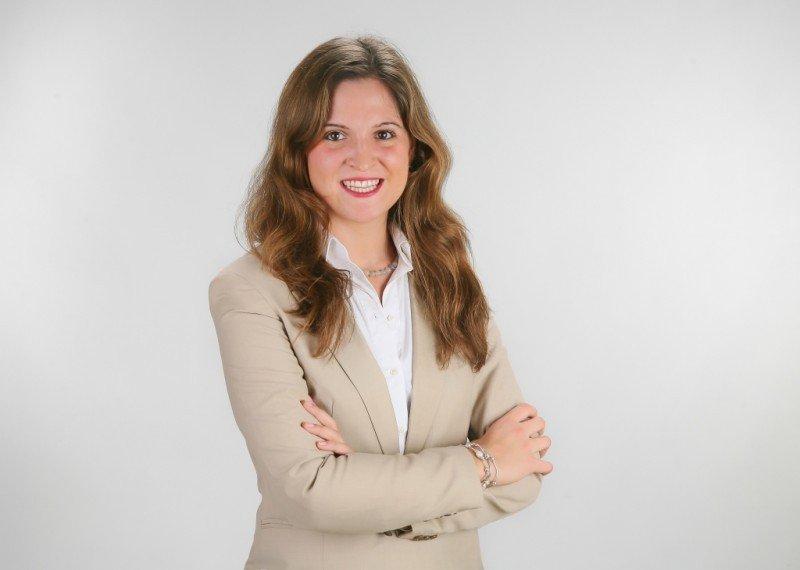 Bárbara Calzada, tras dos años como subdirectora de la Central de Reservas Europa, pasa a dirigirla en sustitución de Fernández.
