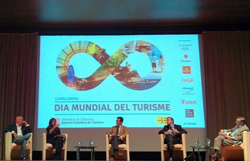 Un momento del debate celebrado en Barcelona con motivo del Día Mundial del Turismo 2014.