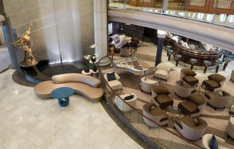 Nuevo lobby Crystal Plaza.