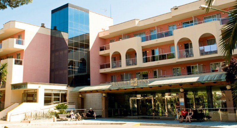 Grupotel entra junto a TUI en la propiedad del aparthotel Alcudia Pins