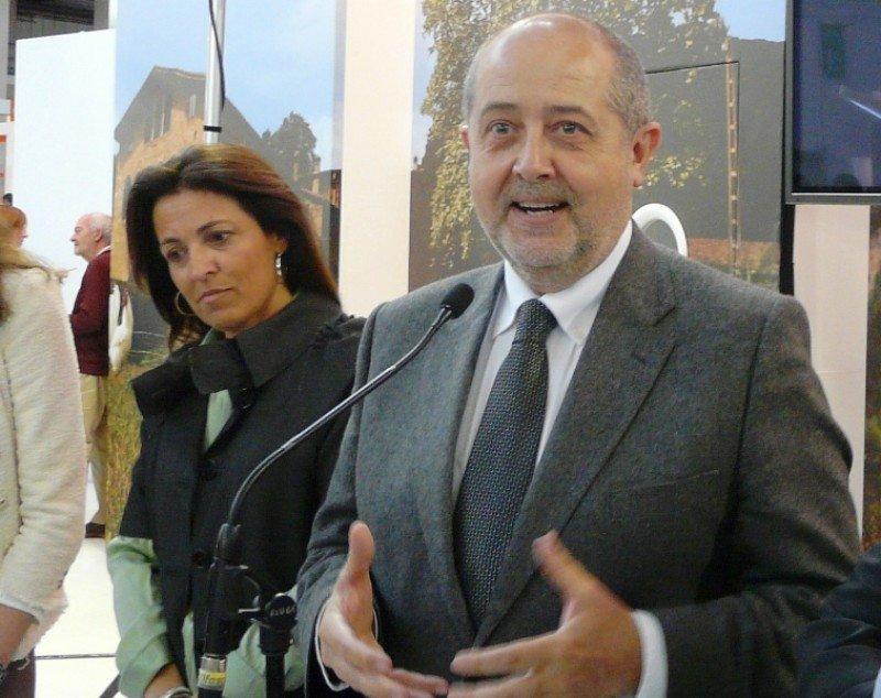 Marián Muro, directora general de Turismo de la Generalitat, y Felip Puig, consejero de Empresa y Ocupación.