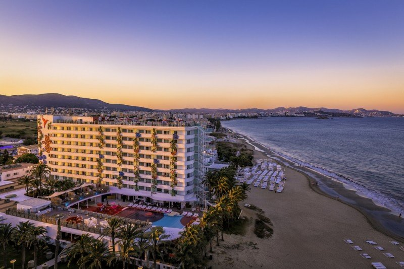 En Baleares fue donde más subieron. Ushuaïa Beach Hotel, en Ibiza. #shu#.