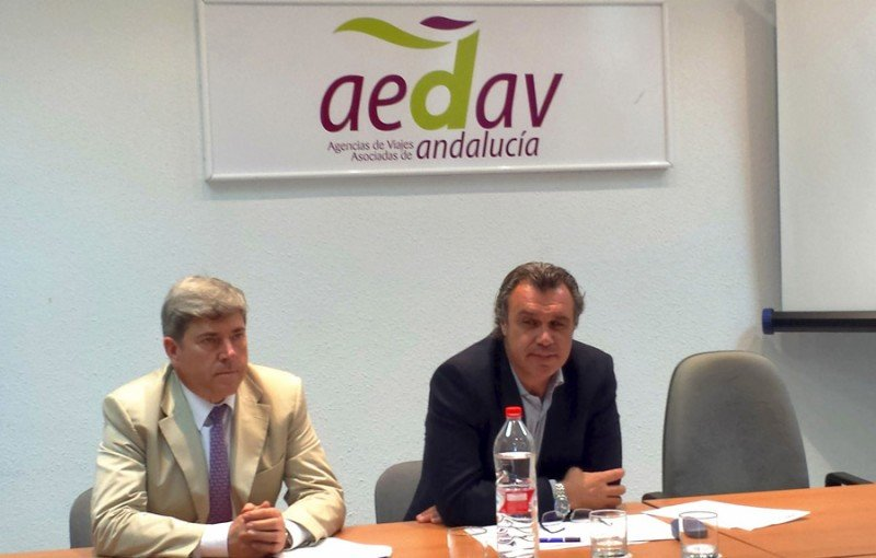 Sergio García, presidente de AEDAV Andalucía (Izda.) y Rafael Gallego, presidente de CEAV.
