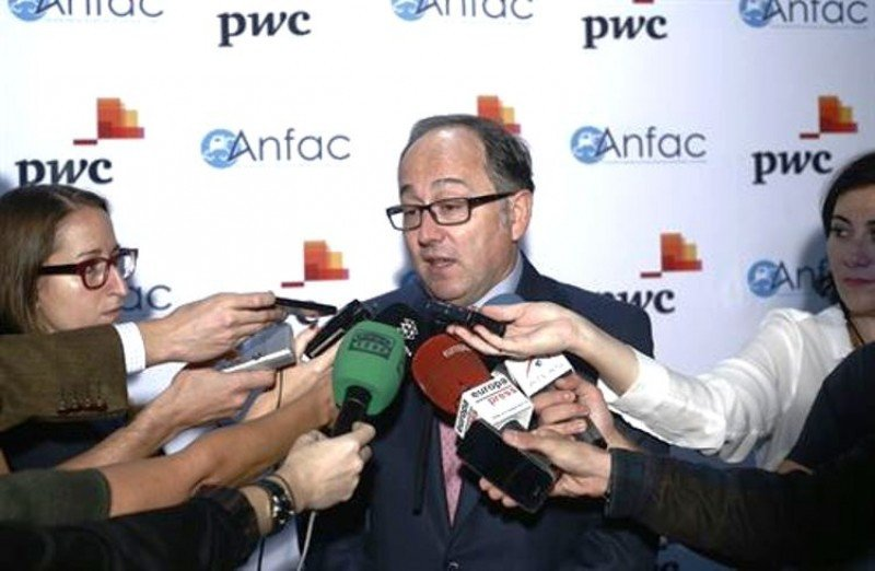 Luis Gallego, CEO y presidente de Iberia, a la salida de un foro.