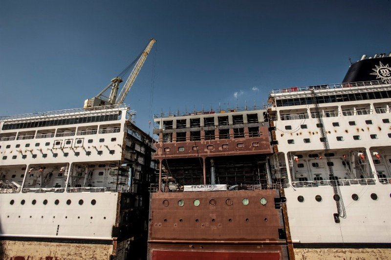La compañía introducirá un módulo central en cuatro barcos para ampliarlos dentro del programa Renacimiento.