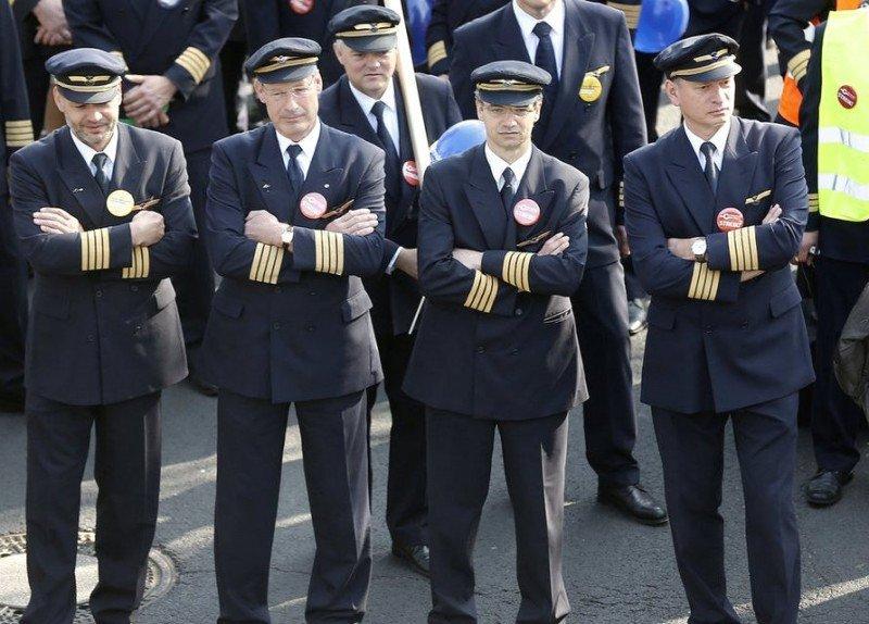 Los pilotos de Lufthansa convocan una huelga de 35 horas desde esta tarde