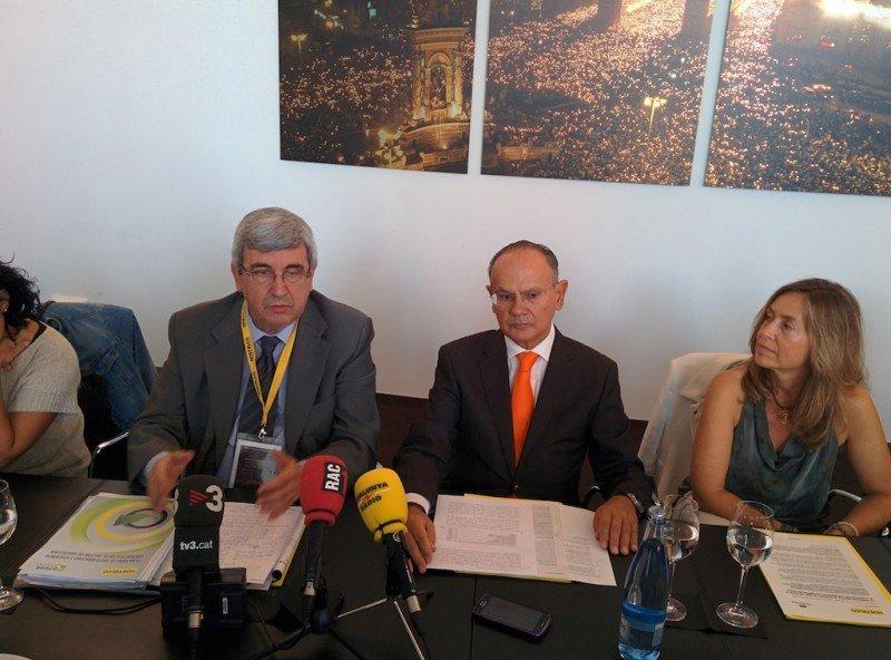 José Maria Rubio, presidente de FEHR, Jordi Roure, presidente de Hostelco, e Isabel Piñol, directora del salón.