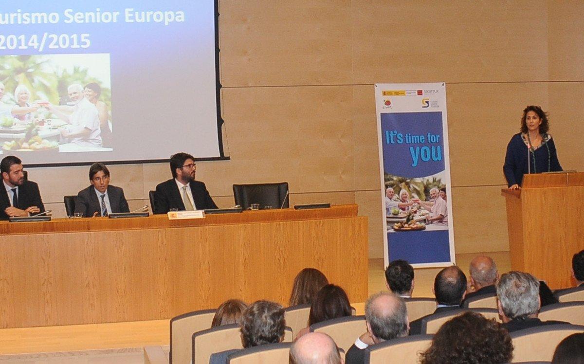 Isabel Borrego destaca el papel de esta iniciativa para romper la estacionalidad.