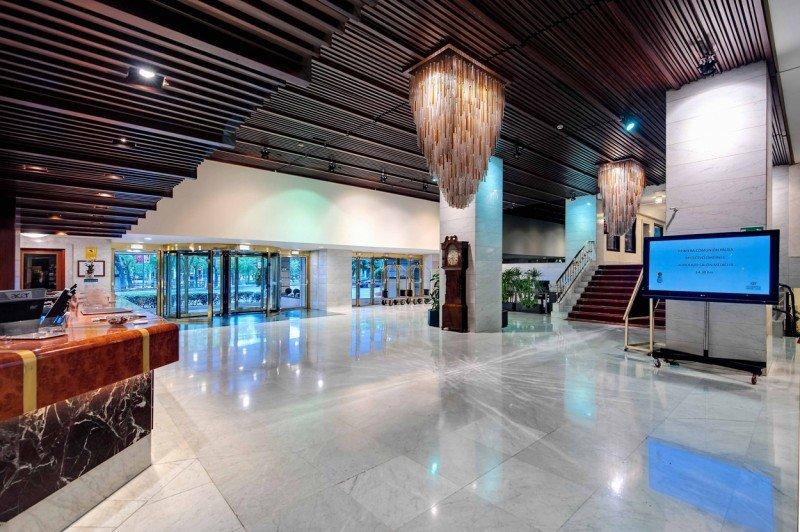 Recepción del Hotel Miguel Ángel.