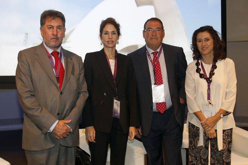 Primera mesa del Congreso Hotelero, en la que han intervenido, de izq. a dcha., Amancio López, Sabina Fluxà, Joan Molas y Angeles Alarcó.