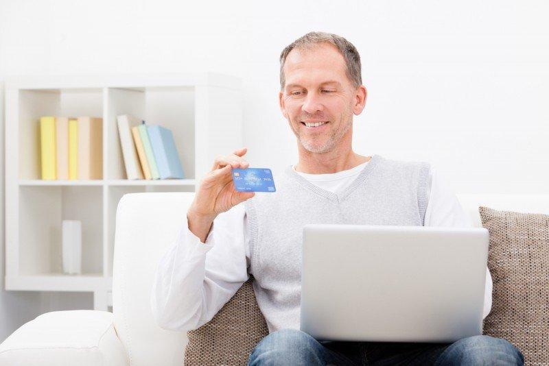 El cliente de edad madura es el que más reserva online. #shu#.