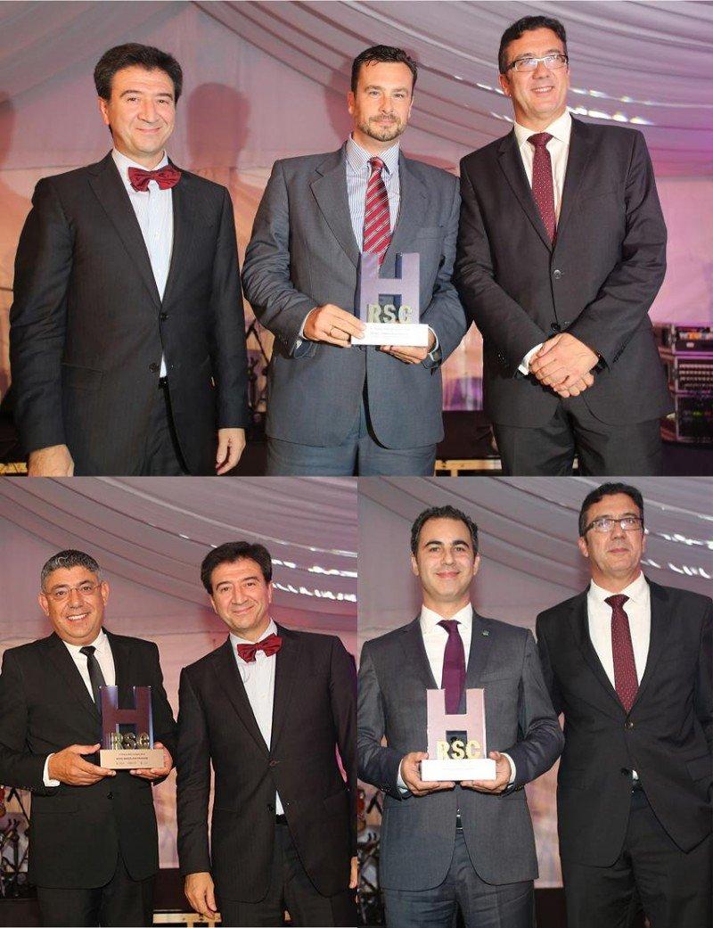 Los premiados posan con sus galardones en esta segunda edición del Premio RSC Hotelera.