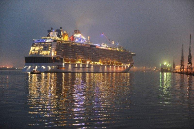 Fotonoticia: Royal Caribbean recibe el Quantum of the Seas