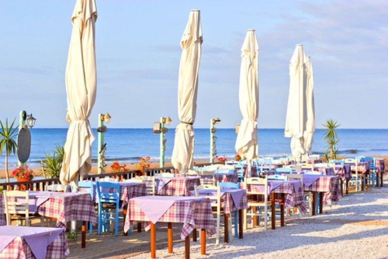 Los restaurantes de los balnearios son los negocios más afectados por el horario de verano. #shu#