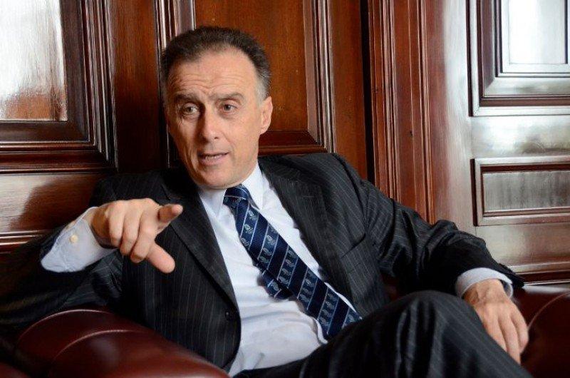 Fernando Calloia.