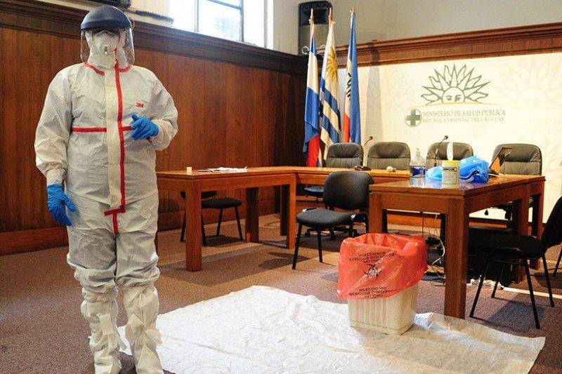 Trajes para casos sospechosos de ébola adquiridos por Uruguay.