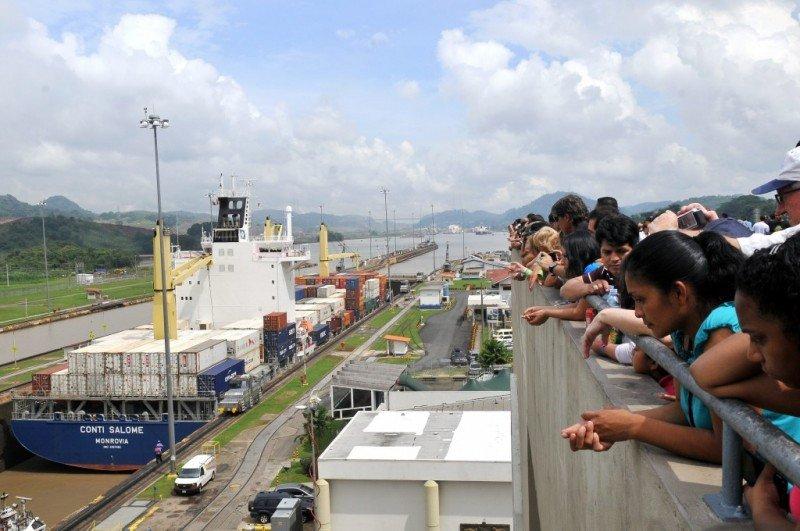Casi un millón de visitantes recibió en 2014 el Canal de Panamá.