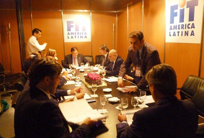 Miembros de la directiva de CETUR reunidos durante la FIT 2014.