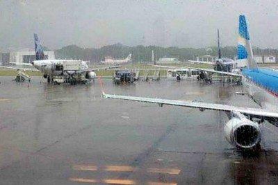 Temporal de lluvia y viento provoca demoras en Aeroparque y Ezeiza