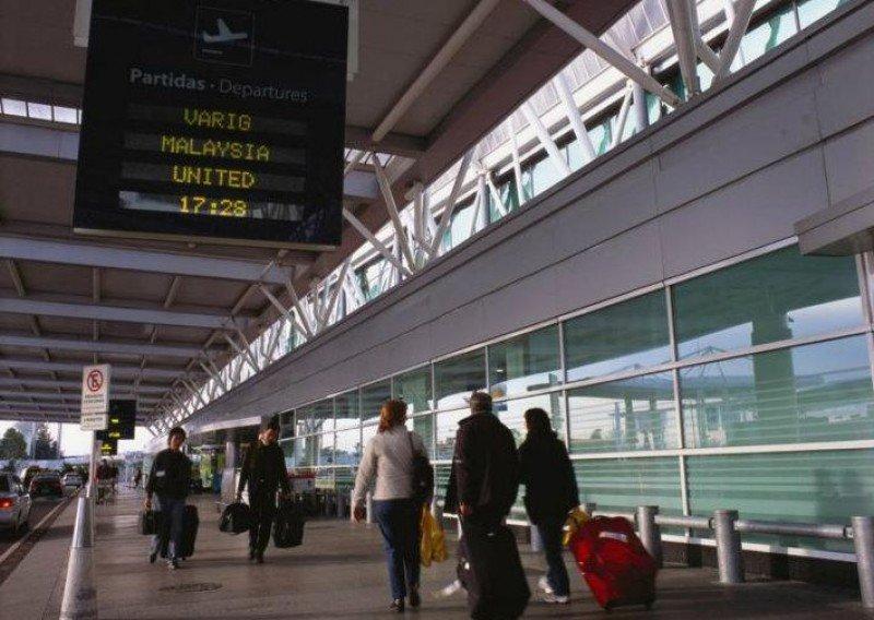 Los pasajeros en Ezeiza cayeron un 5,1%.