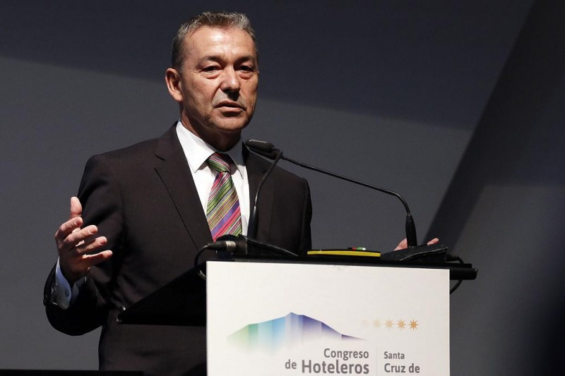 Los acuerdos alcanzados con las 10 entidades bancarias suman 1.825 millones de euros en líneas de financiación, según ha confirmado Paulino Rivero.