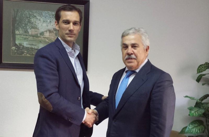 Pedro Marín, Asesor de Auditores Cinco y César Gutiérrez, vicepresidente económico de FETAVE.