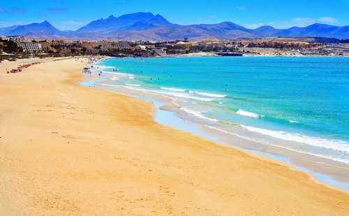 Fuerteventura recibió 426.448 turistas birtánico en el pasado ejercicio. #shu#