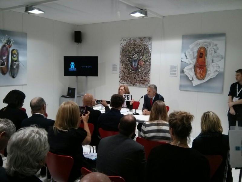 Pedro Homar, acompañado de Kathrine Switzer, en la presentación del nuevo producto turístico en la WTM.