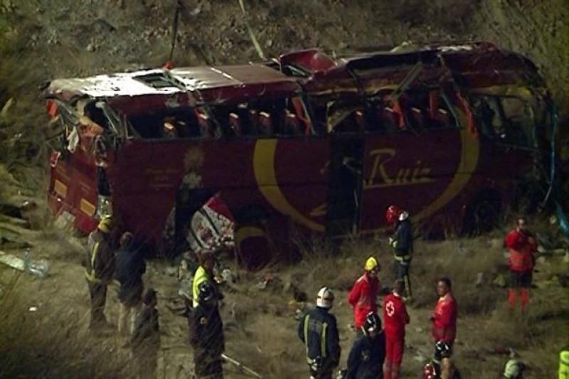 Catorce muertos y 28 heridos en un accidente de autobús en Murcia