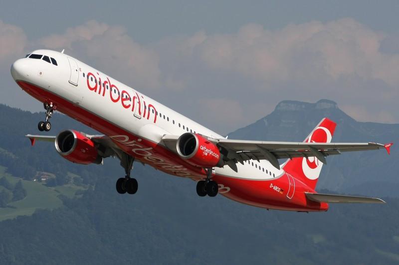 Airberlin recortará 200 empleos en un plan para ahorrar 400 M €