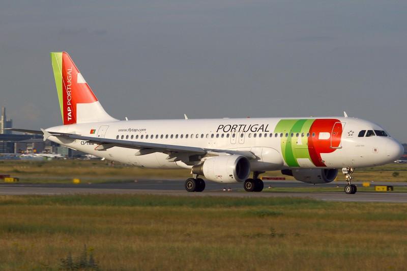 Portugal pone a la venta el 66% de TAP