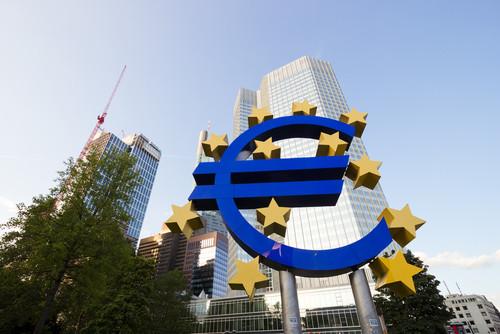 Entre julio y septiembre, la eurozona creció un 0,8%. #shu#