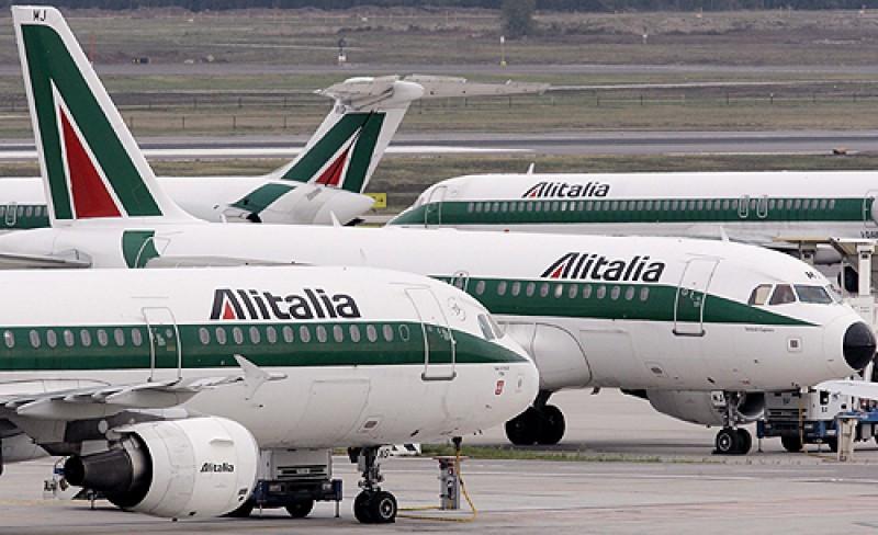 Bruselas autoriza con condiciones la compra del 49% de Alitalia por Etihad