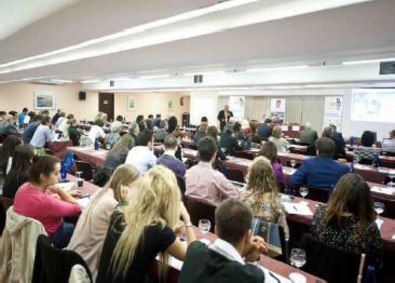 Auditorio reunido por la Asociación Española de Directores de Hotel en un encuentro anterior.