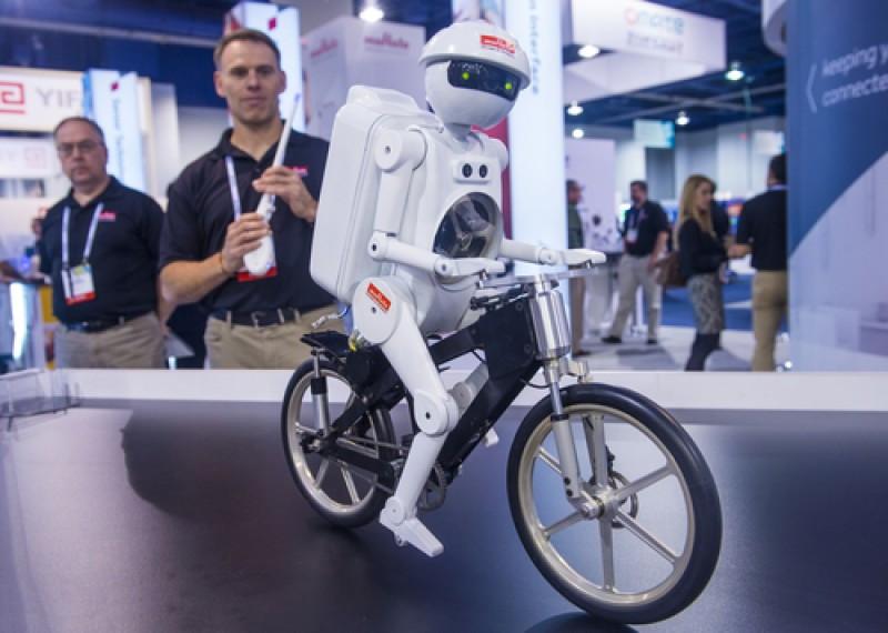 Se prevé que los robots ganen protagonismo en el sector MICE en la próxima década. #shu#