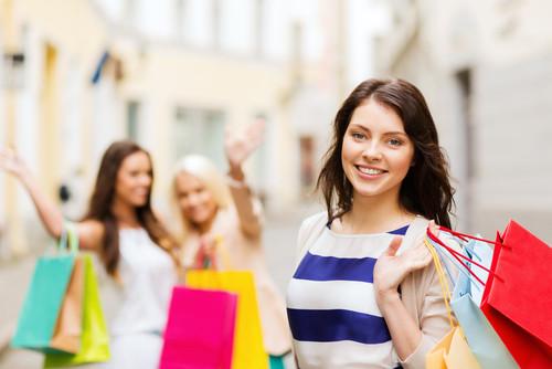 El 40% de los turistas extranjeros incluyen las compras entre sus actividades de ocio. #shu#